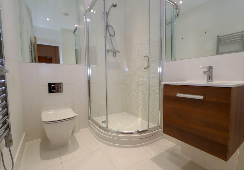 16 Portland House Shower Room